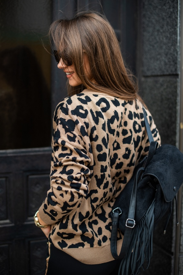 Sweter panther camel 2