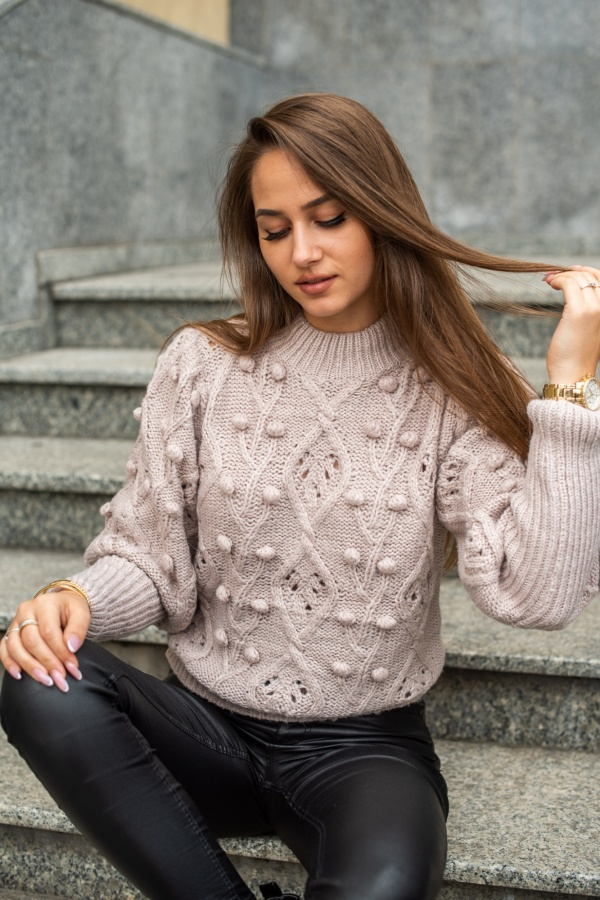 Sweter lily puder 1