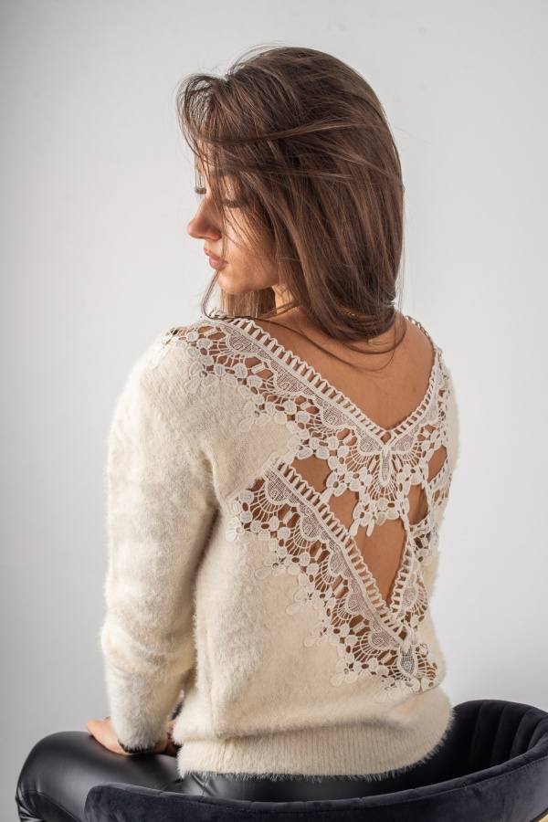 Sweter lacy beż 3